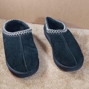 UGG Tasmania slippers
